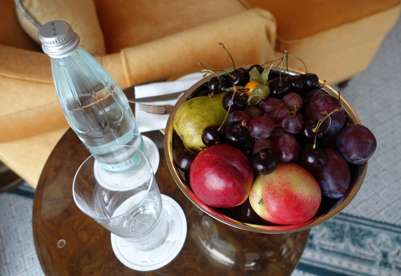 Fresh Fruit Welcome Amenity, Four Seasons St. Petersburg Russia Review
