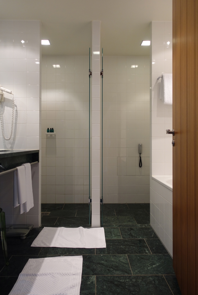 Sofitel Berlin Kurfurstendamm Club Luxury Room Bathroom