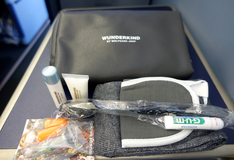 Review-Airberlin Business Class Amenity Kit-Wunderkind by Wolfgang Joop