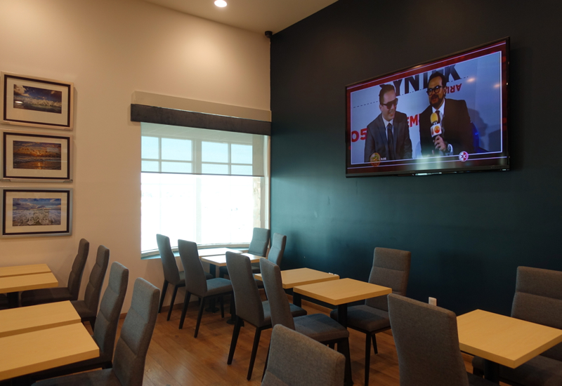 Dining Area, Mera Business Lounge, Cancun Airport
