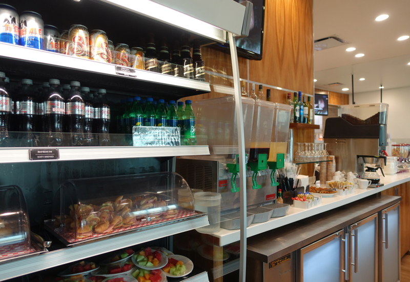 Drinks, Mera Business Lounge, Cancun Airport Review