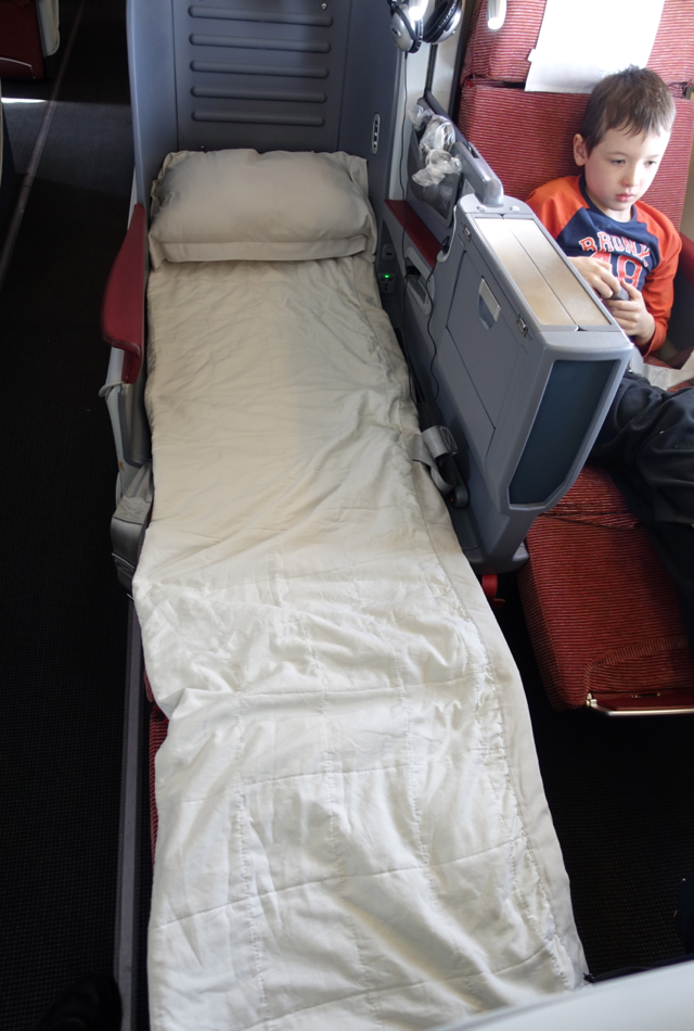 TAM Airlines Flat Bed Business Class Seat Review