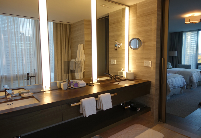 Four Seasons Toronto Review-Premier Room Bathroom
