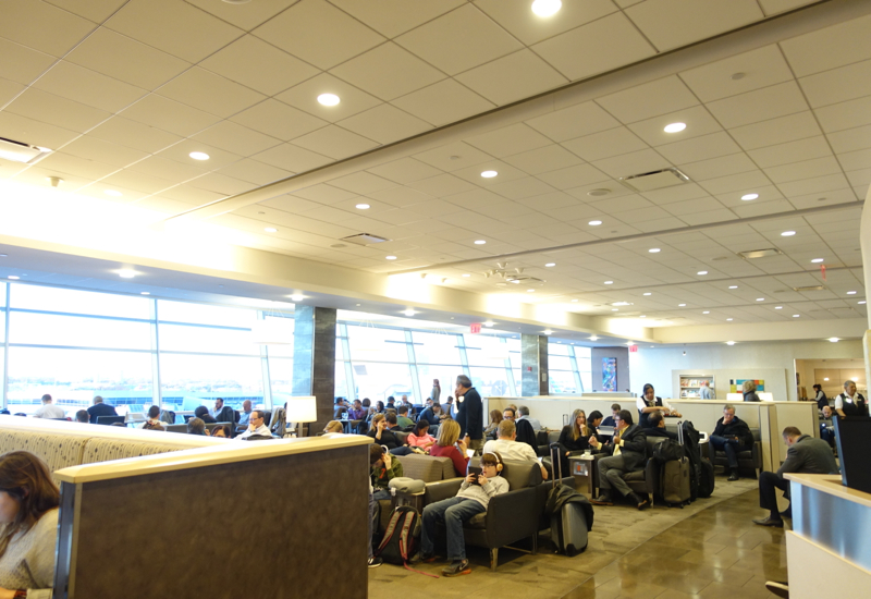 Review-Admirals Club Lounge JFK Terminal 8-Packed Seating