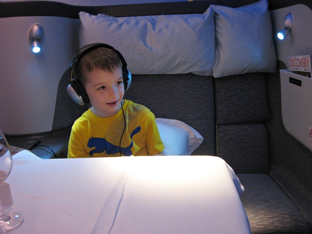 Kids and Jet Lag: 5 Tips