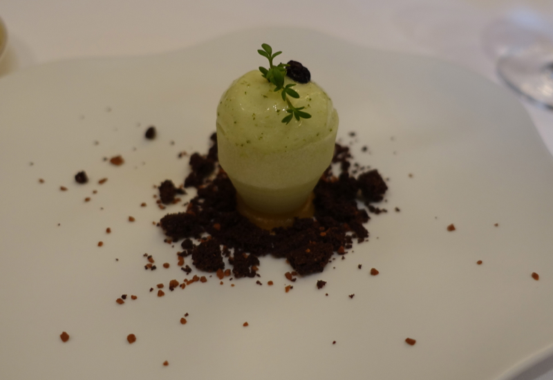Apple Sorbet in Fresh Apple Cone, Le Cinq Review, Four Seasons Paris