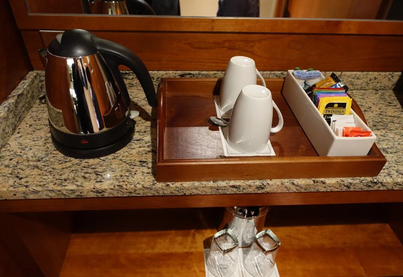 Tea Kettle and Twining Teas, Sofitel London Heathrow Review
