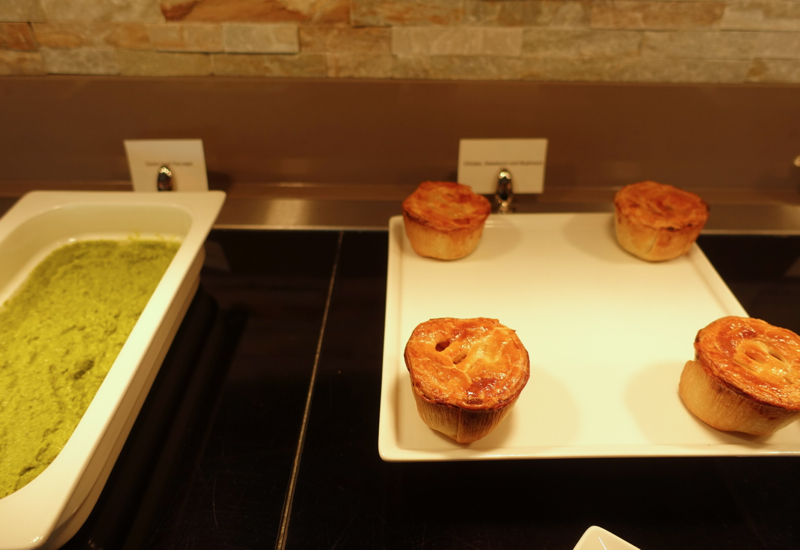 Meat Pies and Mushy Peas, Emirates Lounge Review LHR T3