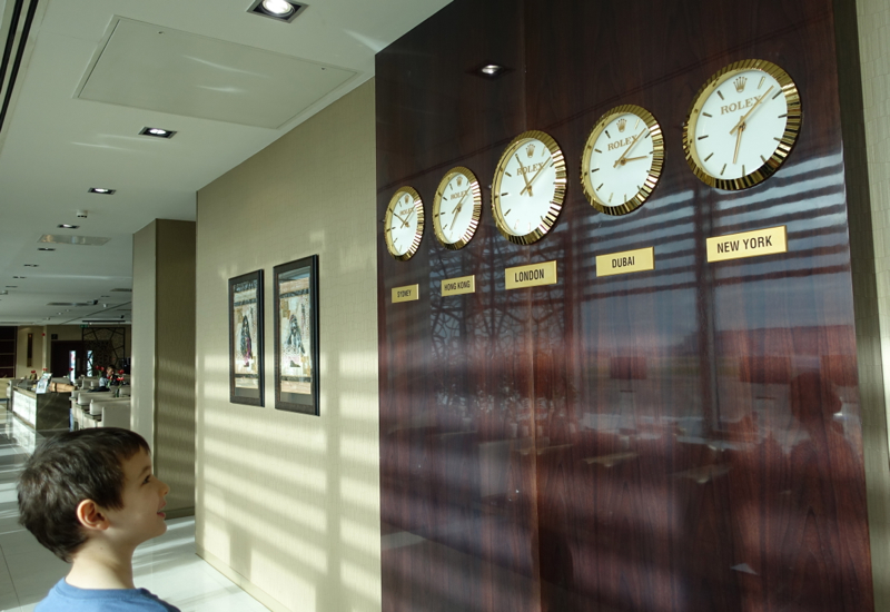 World Time Clocks, Emirates Lounge Review, LHR T3