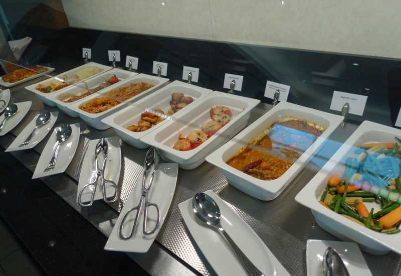 Emirates Lounge JFK Review-Curries