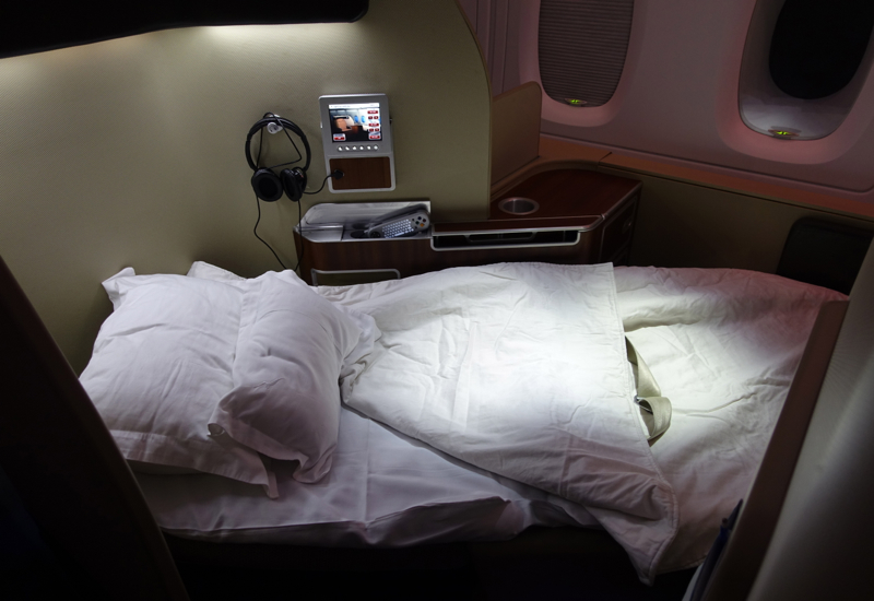 Qantas First Class Bed, A380 Revew