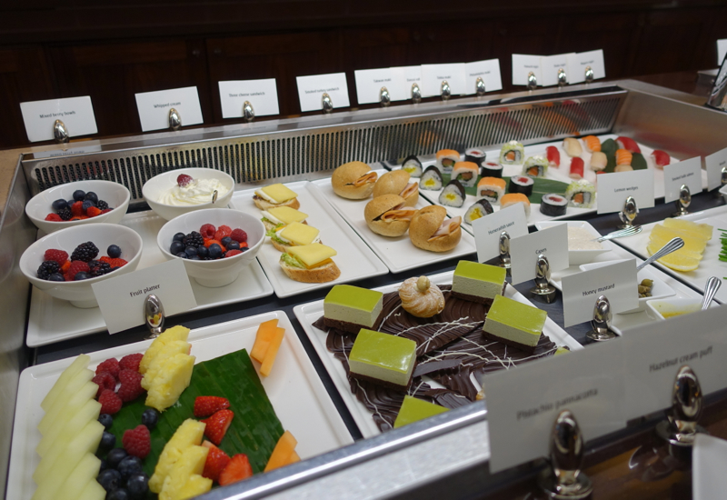 Berries and Desserts, Emirates First Class Lounge Dubai Review