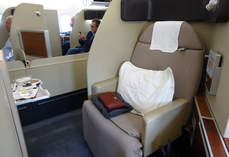 Review: Qantas A380 First Class Suite 2A