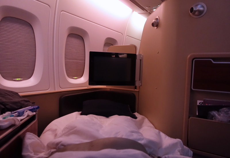 Review: Qantas First Class Bed on the A380