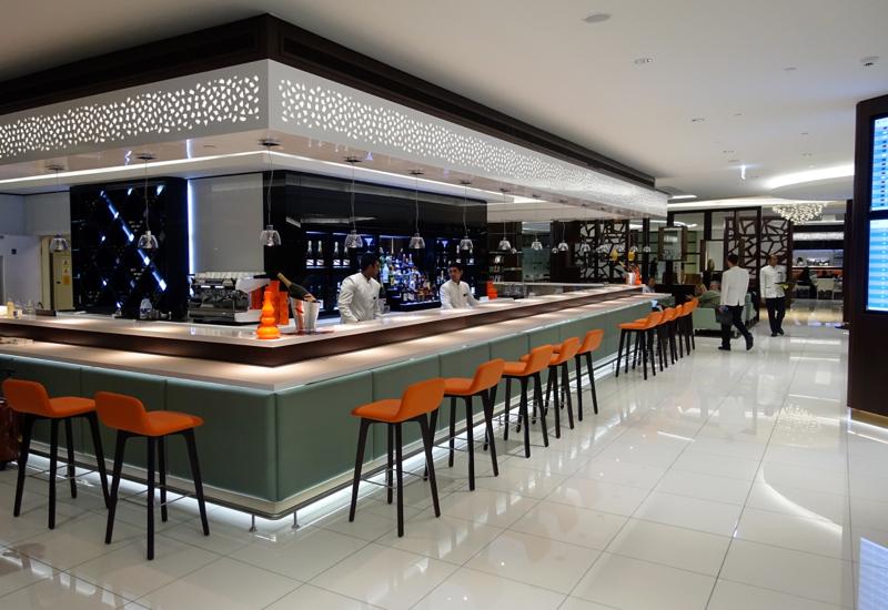 Review: Etihad Business Class Lounge Abu Dhabi, Bar