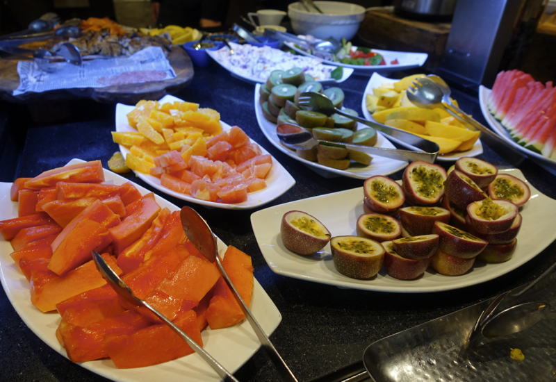 Cafe Mix Breakfast Fruit, Shangri-La Sydney Review