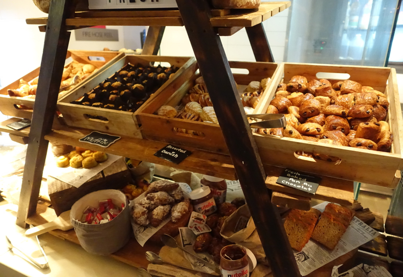 Cafe Mix Breakfast Pastries, Shangri-La Sydney Review