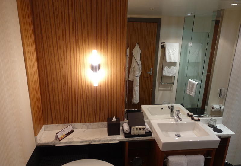 Review: Sofitel Auckland Superior Bathroom