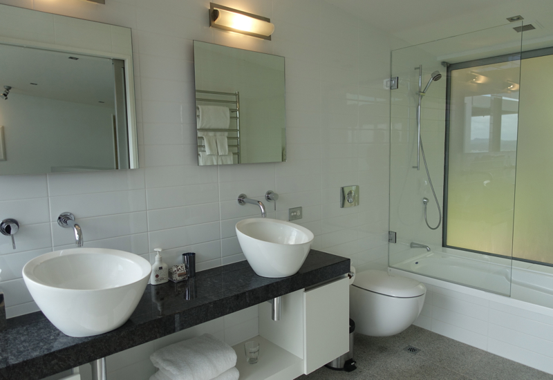 Third Bathroom with Bathtub, Eagles Spirit Villa, Eagles Nest