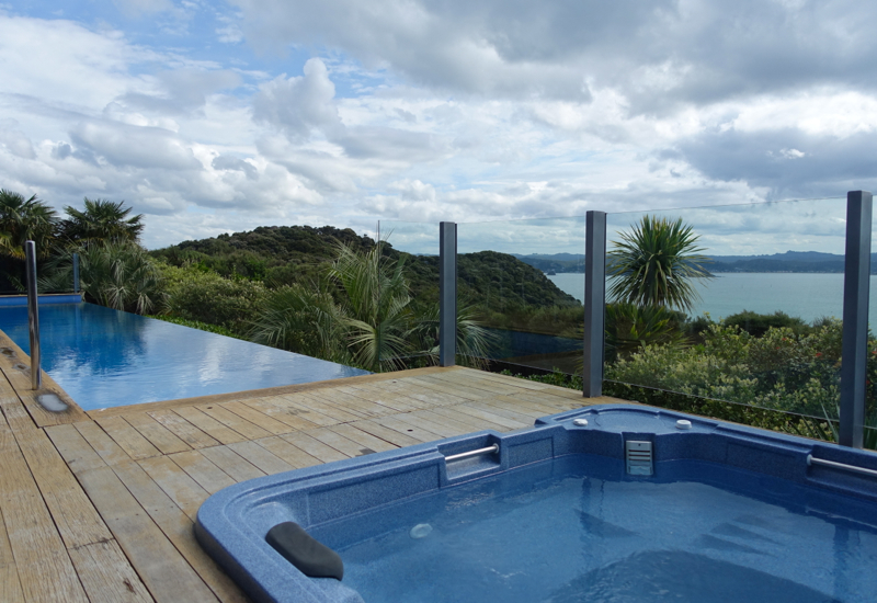 Eagle Spirit Villa Pool and Jacuzzi, Eagles Nest Review