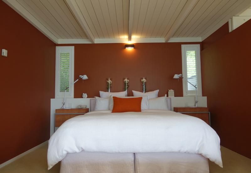 Deluxe Suite Bedroom, Matakauri Lodge Review