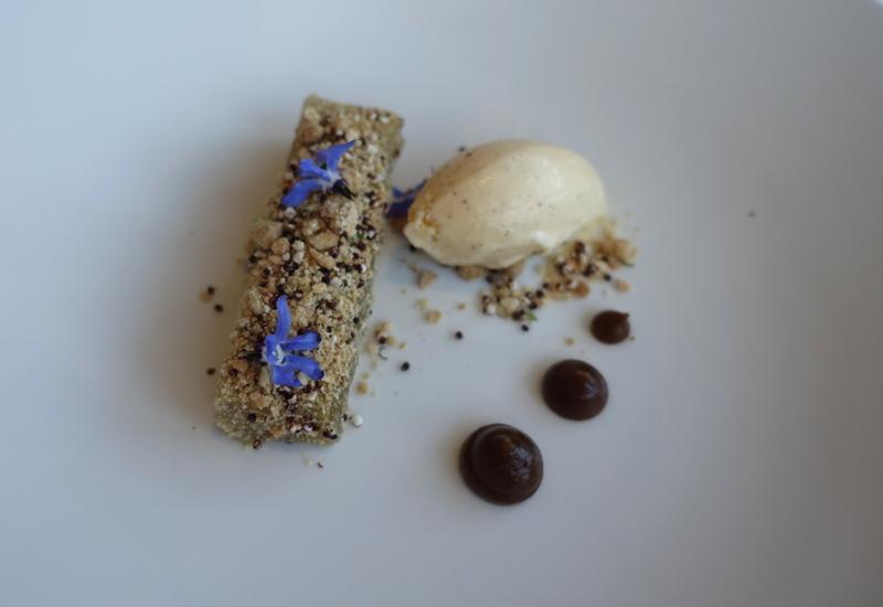 Apple Crumble Dessert, Matakauri Lodge Dinner Review, Queenstown