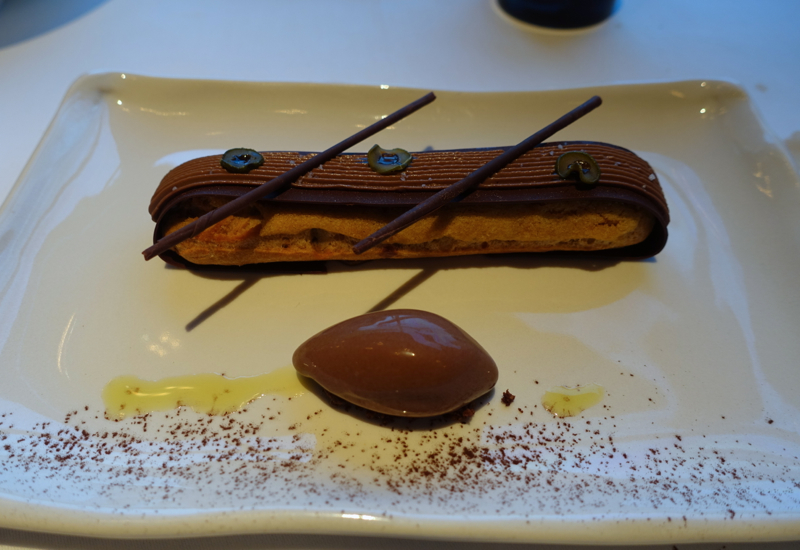 Valrhona Chocolate Eclair, Park Hyatt Sydney Review