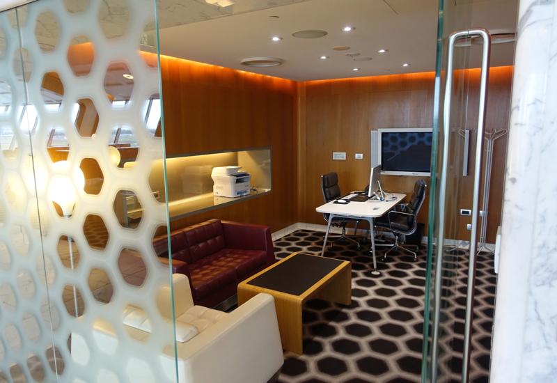 Business Center, Qantas First Class Lounge Sydney Review