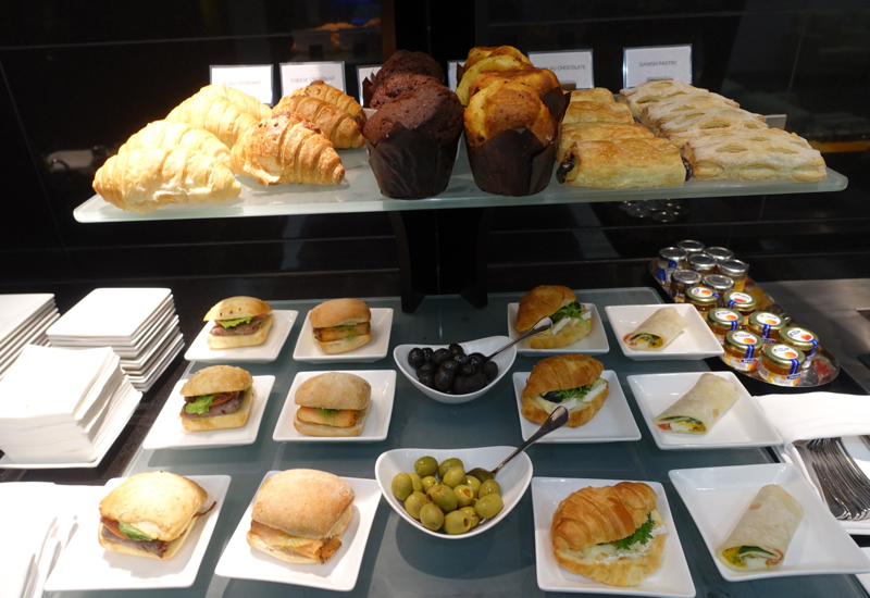 Sandwiches, Wraps and Pastries, Etihad Arrivals Lounge Abu Dhabi Review
