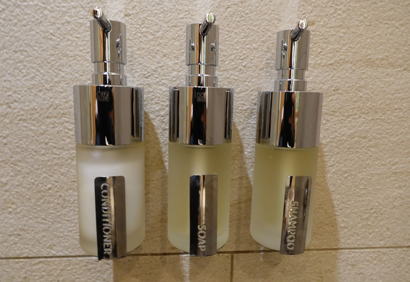 Shower Suite Shampoo and Conditioner, Etihad Arrivals Lounge AUH Review