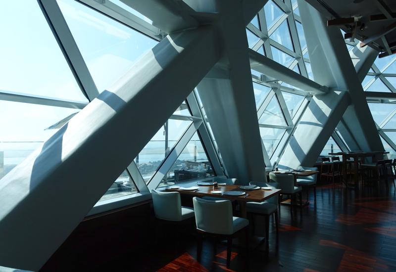 18 Degrees Restaurant, Hyatt Capital Gate Abu Dhabi Review