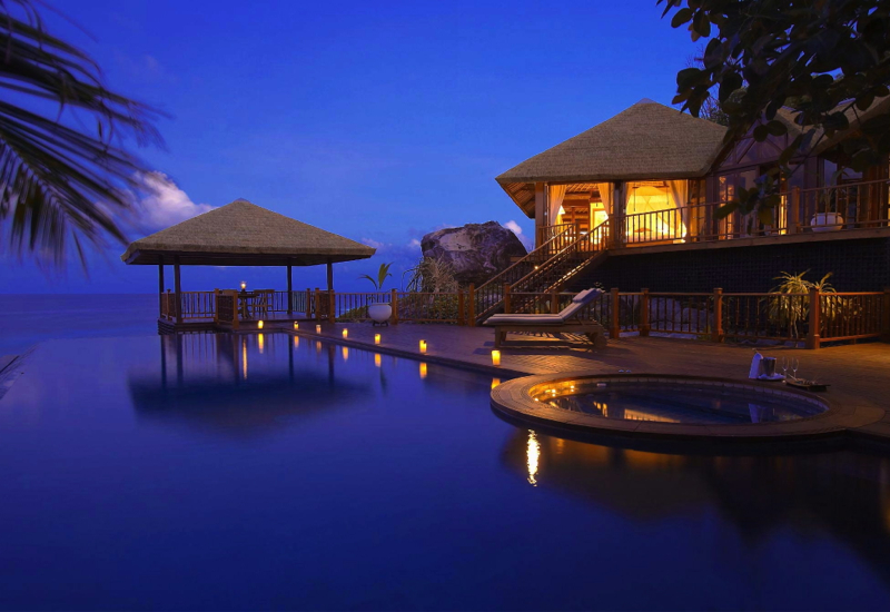 Best luxury private island resorts in the world for Luxury resorts in the world