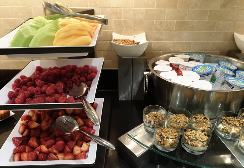 Fresh Fruit and Berries, Fairmont Gold Level Club Lounge Breakfast Review
