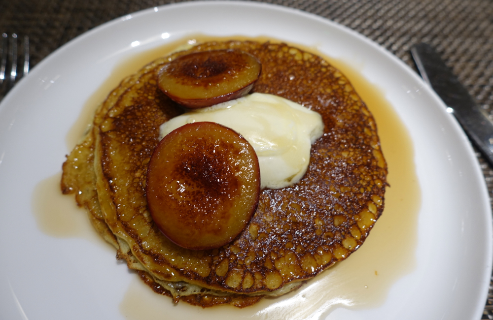 Plum Pancakes, Qantas First Class Lounge LAX Review