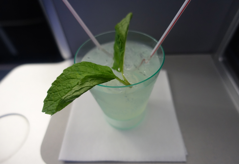 Review: JetBlue Mint-Pre-Flight Drink