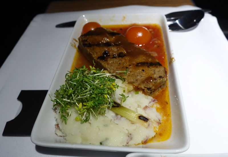 Wagyu Meatloaf and Mashed Potatoes, American A321 Business Class Review