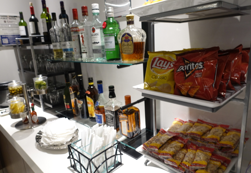 Bar and Snacks, Los Angeles International Lounge LAX Review