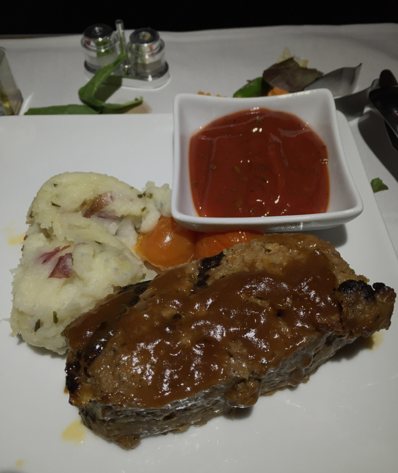 American A321 First Class Review JFK-LAX: Wagyu Meatloaf