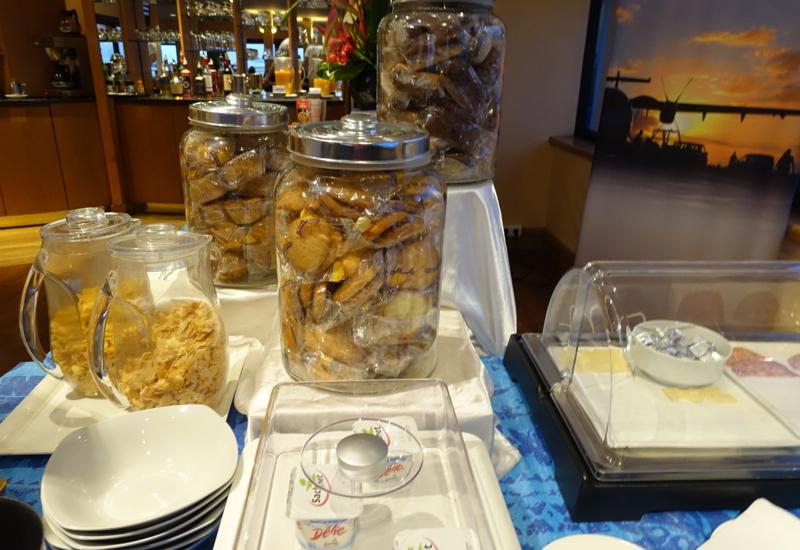 Breakfast Buffet, Papeete Business Class Lounge Review