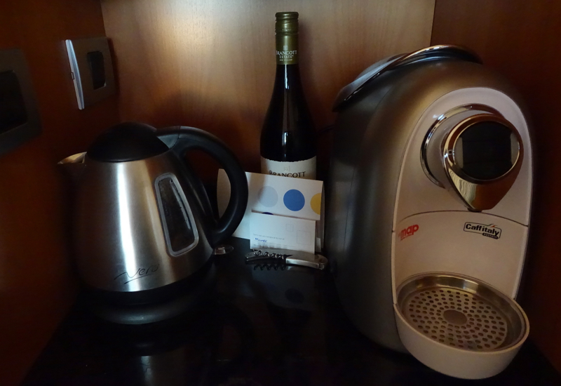 Coffee Maker and Tea Kettle, Novotel Auckland Airport Review