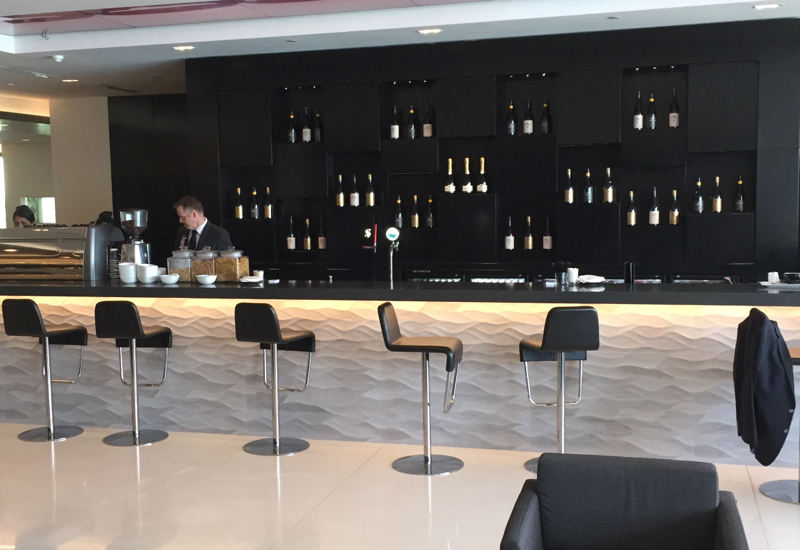 Wine Bar, Air New Zealand Auckland Lounge Review