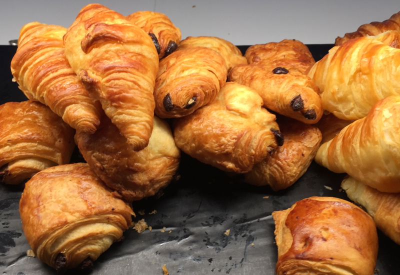 Croissants and Pastries, Air New Zealand Auckland Lounge Review