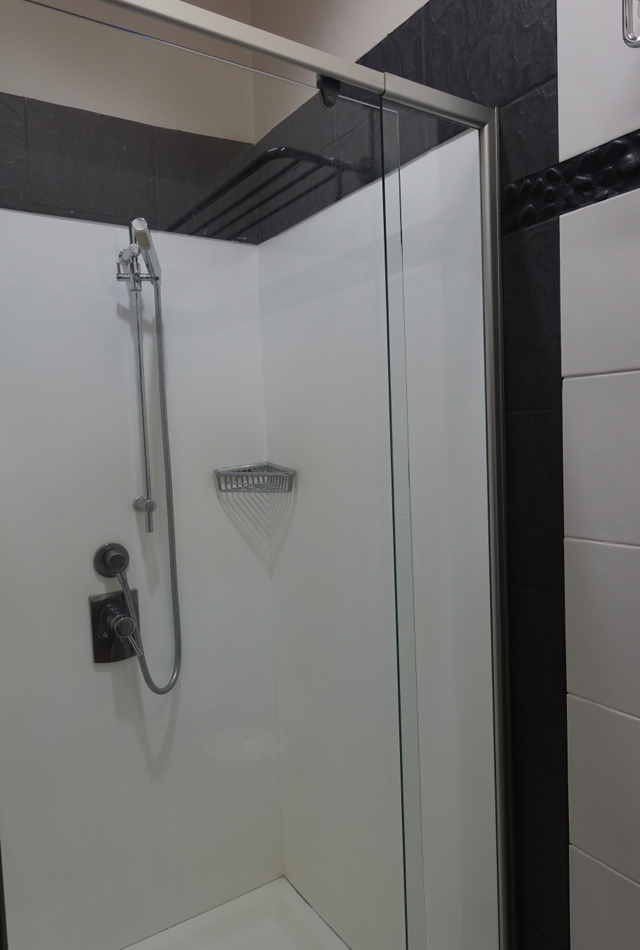 Shower, Fiji Airways Nadi Airport Lounge Review