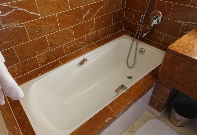 Loews Regency San Francisco Review: Bridge to Bridge Room Soaking Tub
