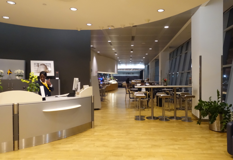 Review-Lufthansa Lounge JFK Reception and Business Class Lounge