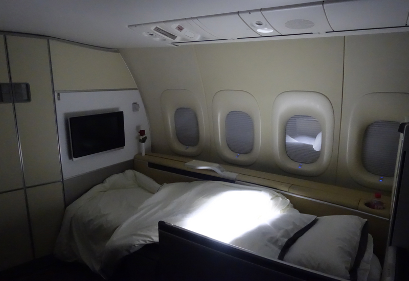 Lufthansa First Class Bed After Turndown Service, 747-8 Review