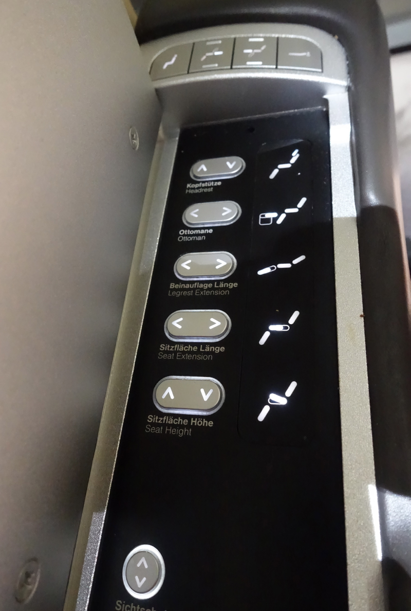 Seat Controls, Lufthansa First Class 747-8 Review