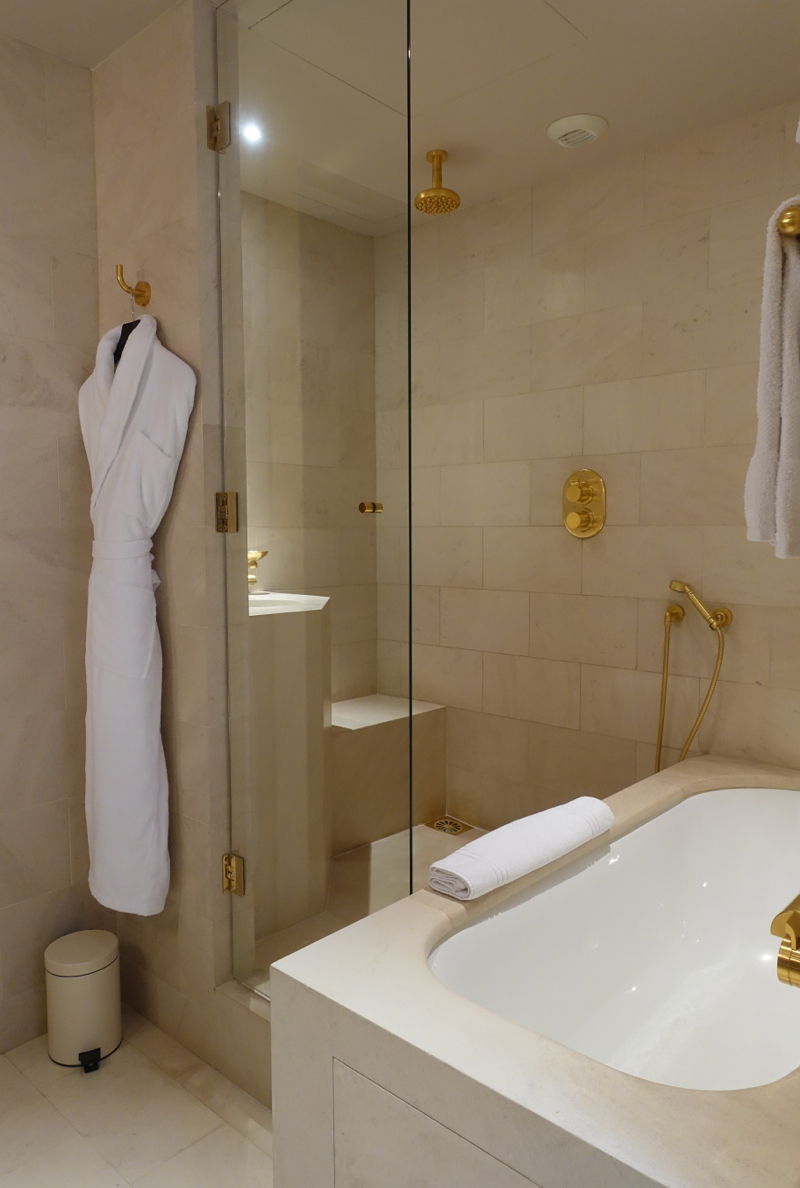 Park Hyatt Paris-Vendome Review-Bathroom