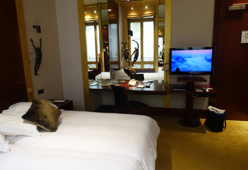 Park Twin Desk and TV, Park Hyatt Paris-Vendome Review