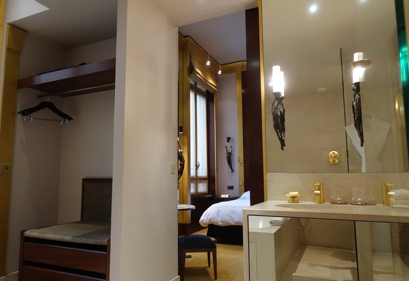 Park Hyatt Paris-Vendome Review-Park Room Bathroom